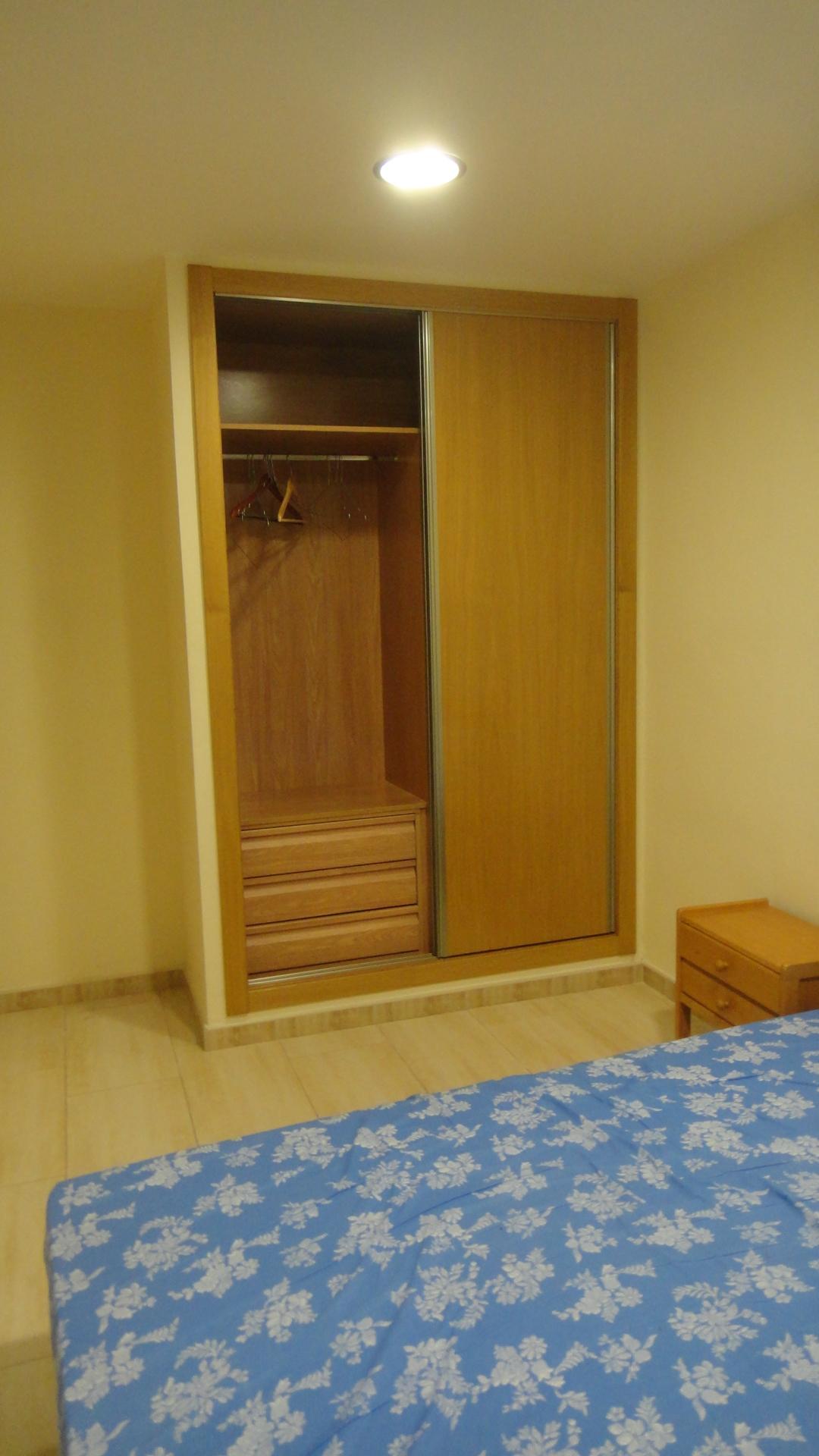 dormitorio + armario empotrado