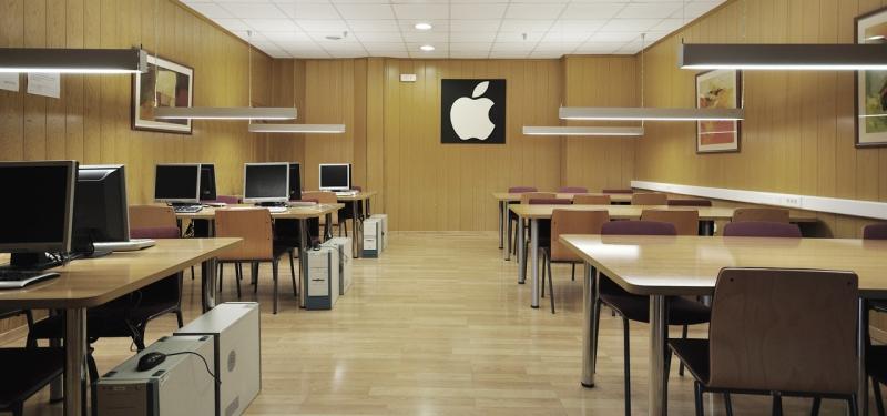 Sala de informática - sala de estudio